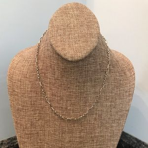 Jewelry - Silver tone chain necklace